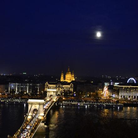 ~ night lights ~, Nikon D3100, AF-S DX VR Zoom-Nikkor 18-55mm f/3.5-5.6G