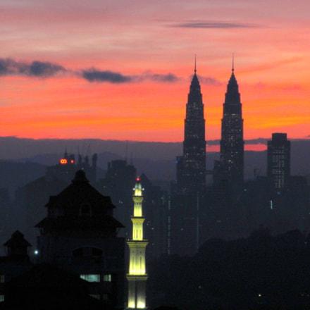 Twin Towers Sunset, Canon IXUS 230 HS