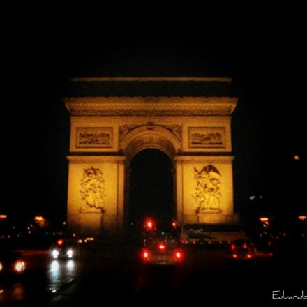 Arco del Triunfo noche, Sony DSC-W125