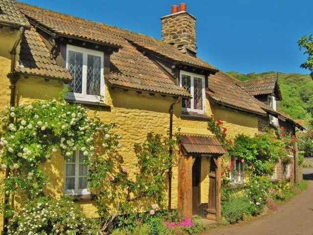 Photograph English Country Cottages by Rosie Schneider on 500px