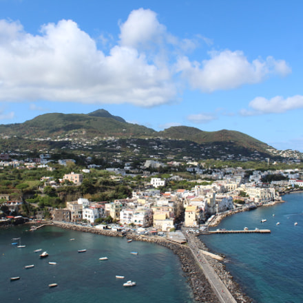 Great view of Ischia, Canon EOS REBEL T6, Canon EF-S 18-55mm f/3.5-5.6 IS II
