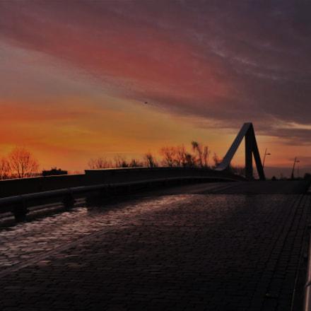 Bridge to the sun, Nikon D7000, Tamron AF 18-270mm f/3.5-6.3 Di II VC PZD (B008)