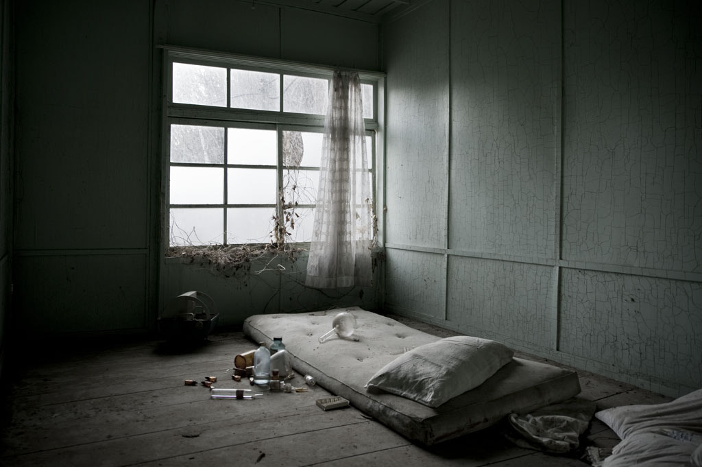 Photograph The ruins of sickroom by Oguro Hiroyuki on 500px