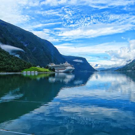 Deep in Norway, Fujifilm FinePix S8000fd