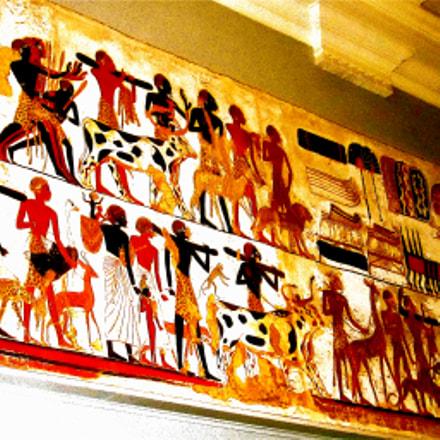 Visiting the British Museum......., Canon IXUS 300 HS
