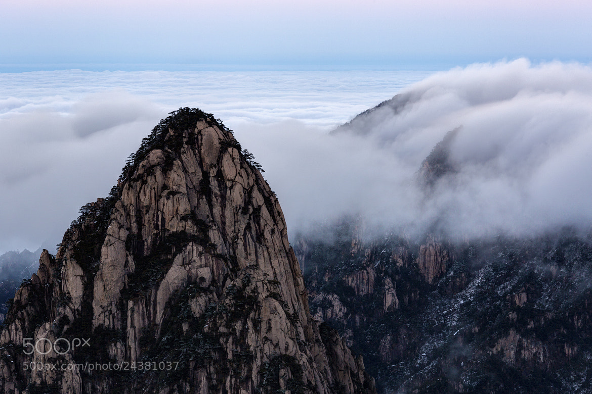 Photograph Clearing Sea of Fog by Chaluntorn Preeyasombat on 500px