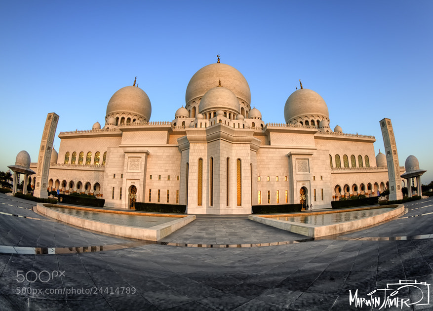 Photograph The Grand Mosque by Marwin Javier on 500px