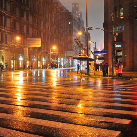 raining Shanghai, Nikon D90, AF-S Nikkor 24mm f/1.8G ED
