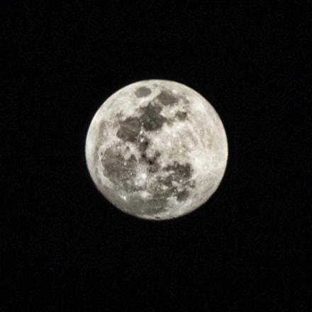 Todays Moon - 2055, Fujifilm FinePix S3300