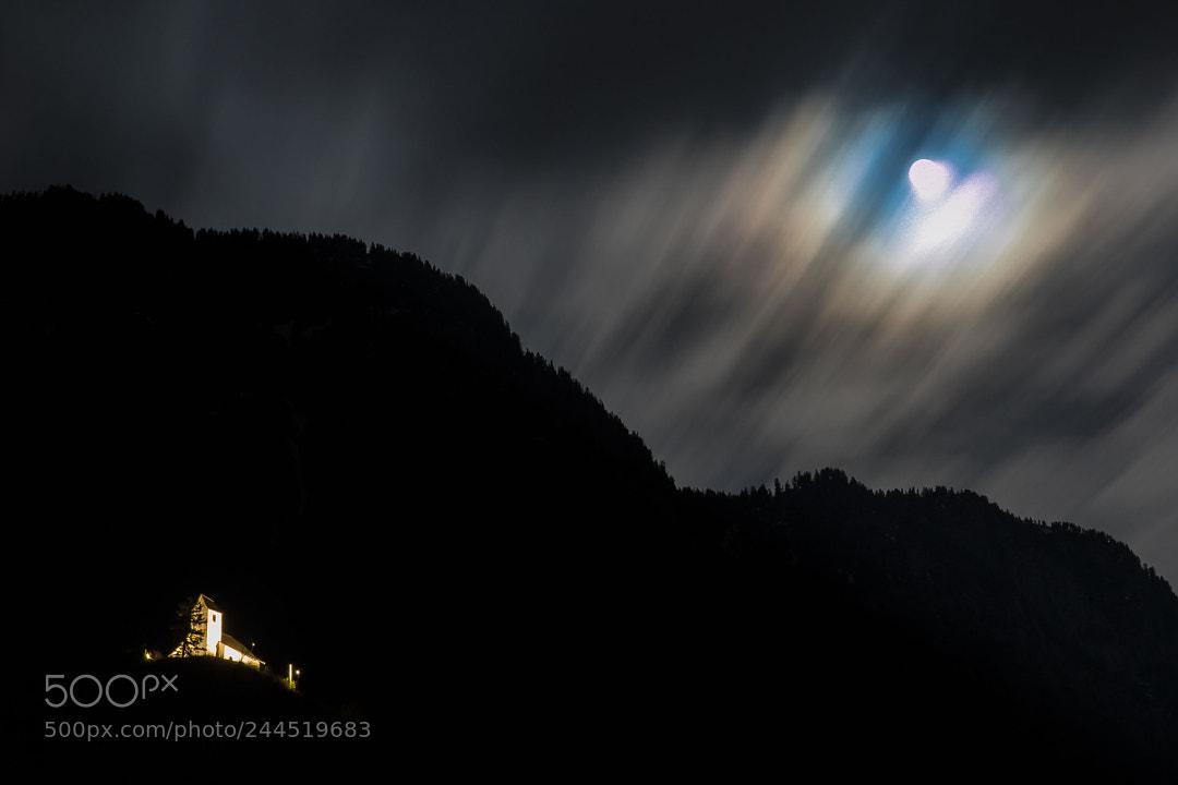 Moon over Gt.Georg