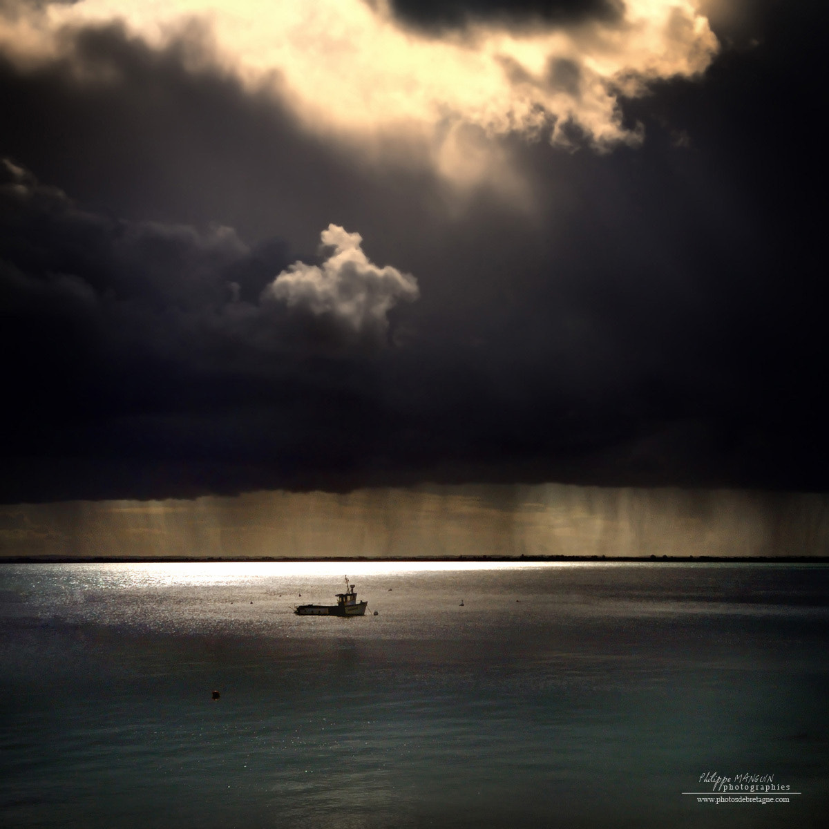 Photograph ALONE by Philippe MANGUIN on 500px