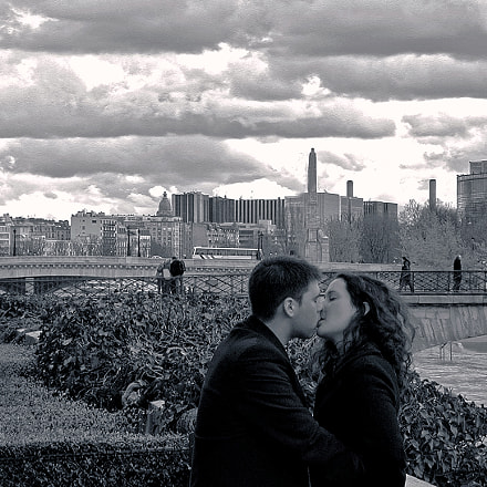 Love in Paris_1,2012..., Nikon E990