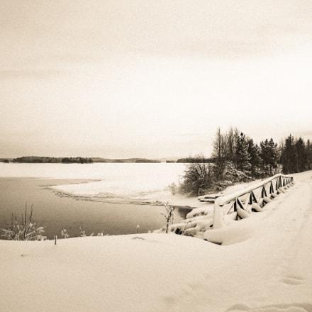 Unutlake bridge, Nikon S1