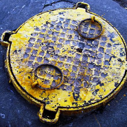 Manhole, Sony DSC-P93