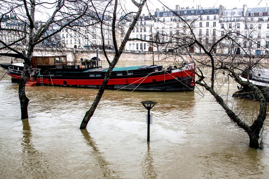 La péniche (the barge) de Christine Druesne sur 500px.com