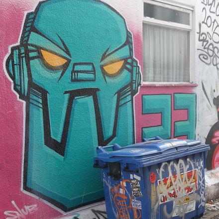 Green Robot Graffiti Trafalgar, Fujifilm FinePix JV250