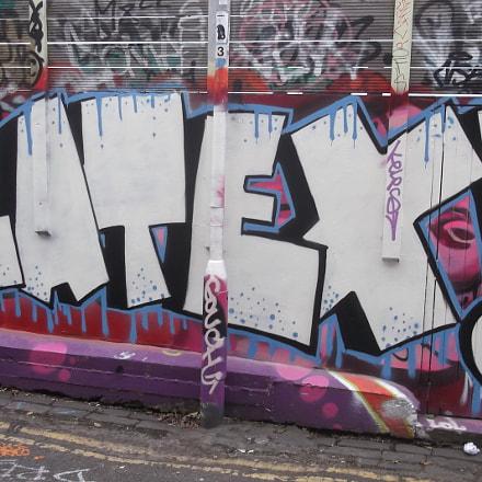 White Latex Graffiti Trafalgar, Fujifilm FinePix JV250