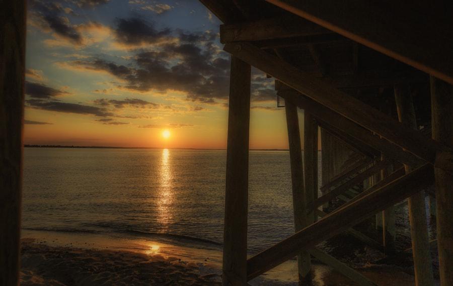 Sunset Under The Pier, автор — Joe Matzerath на 500px.com