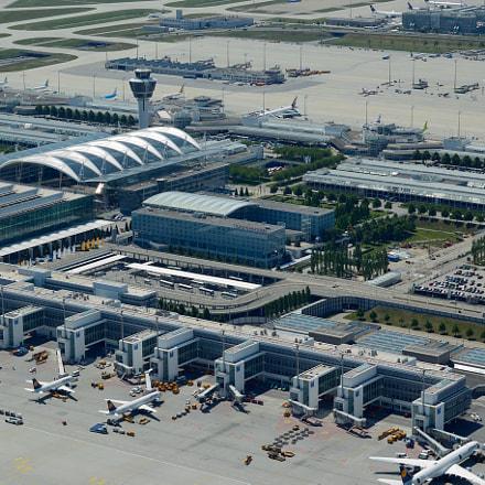 Franz Josef Strau Airport, Nikon D70S, AF Nikkor 50mm f/1.8 N