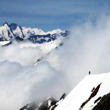 Standing on the mountain, Canon IXUS 140