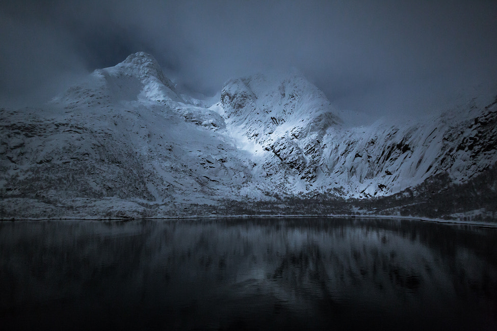 Photograph A night in the Lofoten by Hervé Loire on 500px