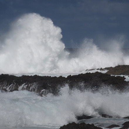 The waves in Hawaii!, Canon POWERSHOT ELPH 350 HS