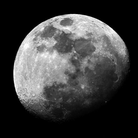 Crescent Moon, Canon POWERSHOT D30