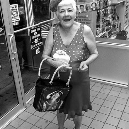 Local Shopper, Fujifilm FinePix E900