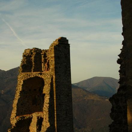 old ruin, Nikon E4100
