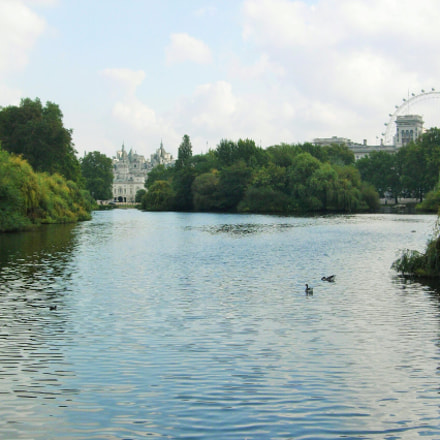 St. James's park, Nikon E4200