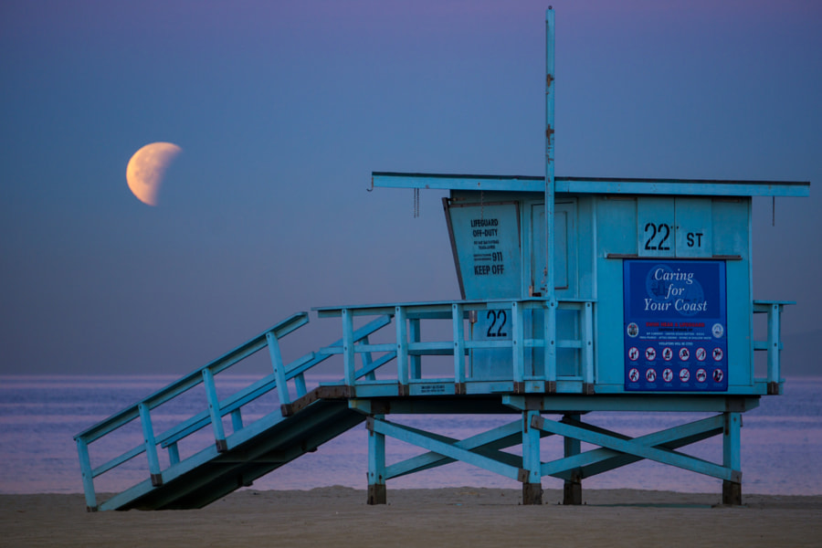 Moonset Over Hermosa by Allen Ng on 500px.com