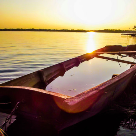 Floaded boat, Fujifilm FinePix S2950