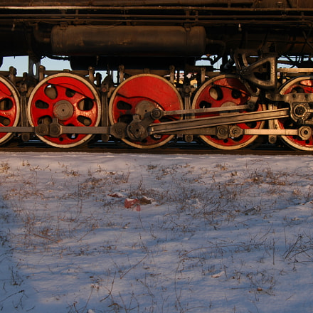 红色动轮, Nikon D100, AF Zoom-Nikkor 24-85mm f/2.8-4D IF