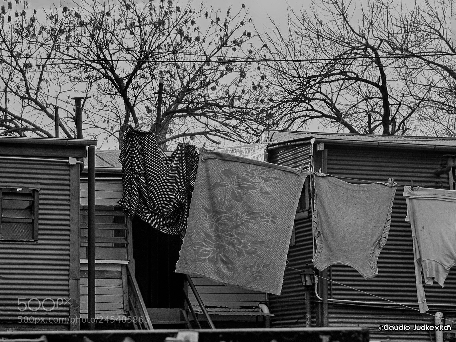 "Canon POWERSHOT S1 IS sample photo. ""Laundry"" photography"