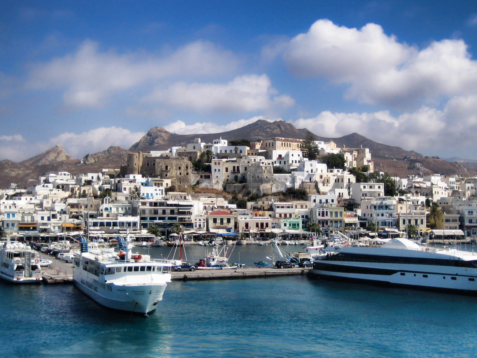 Photograph Port of Naxos Kastró by Pete  on 500px