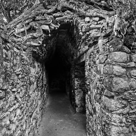 Kohunlich Ruins Tunnel, Sony DSC-HX5V