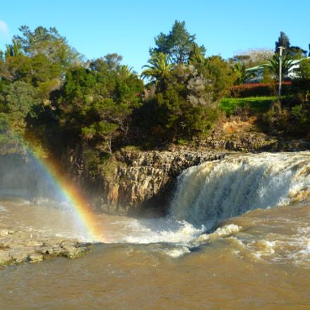 Rainbow over Haruru Falls, Panasonic DMC-FS11