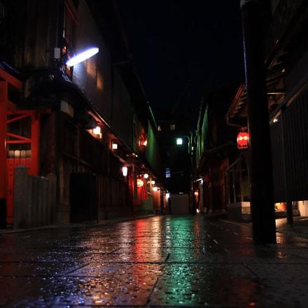 night alley, Canon EOS-1D MARK III