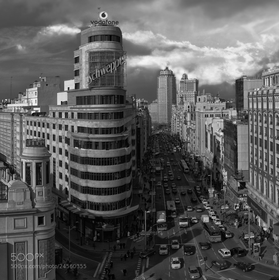 Photograph Gran Vía by Fermín Noain on 500px