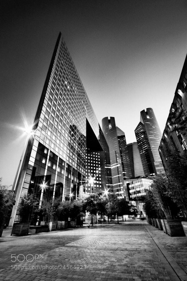 Photograph Défense by Regards Parisiens on 500px