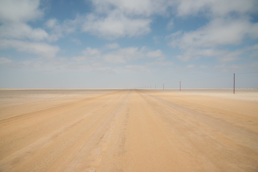 Road to Nowhere, Namibia, автор — Dale Johnson на 500px.com