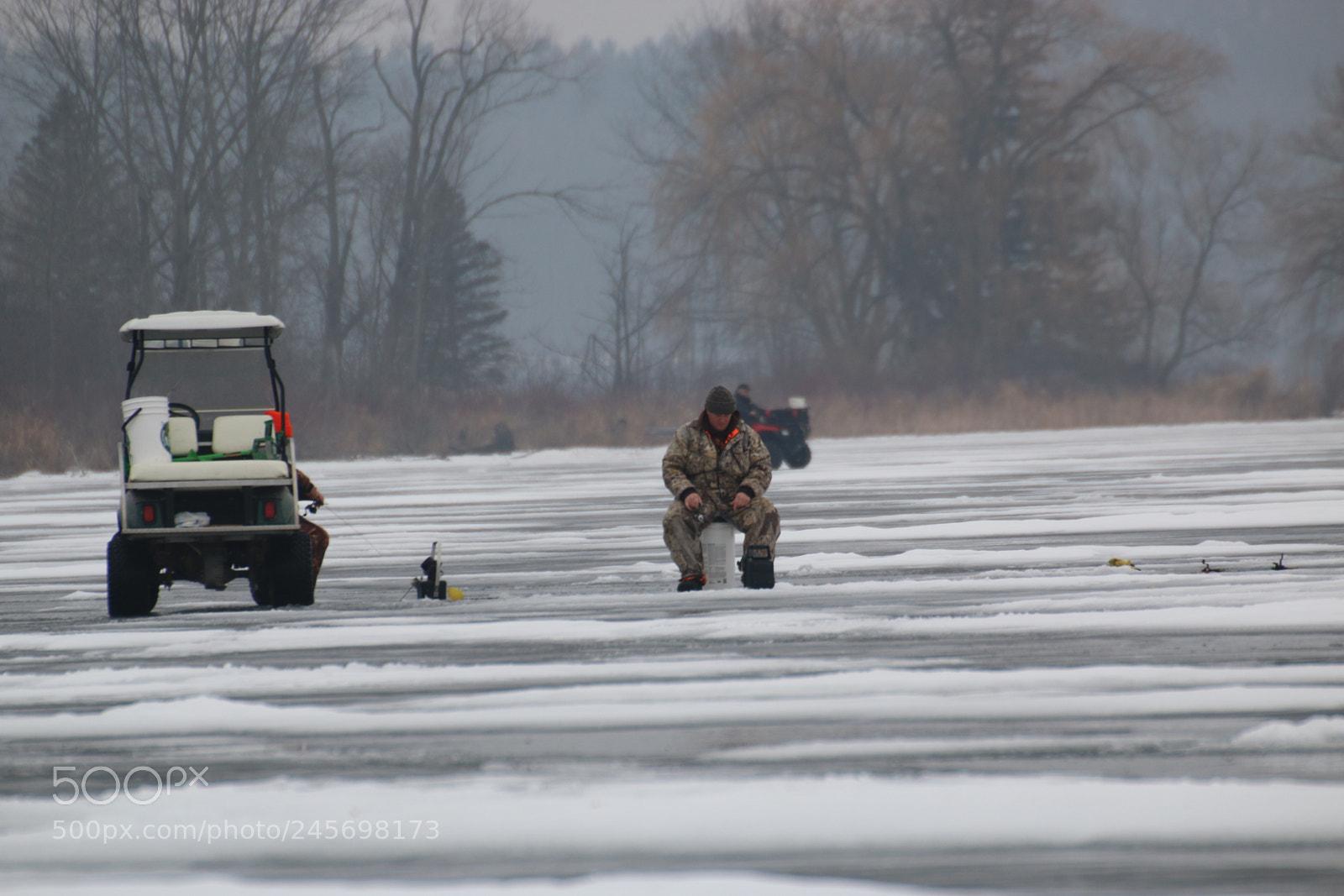 Man ice fishing, Canon EOS 70D, Sigma 50-500mm f/4.5-6.3 APO DG OS HSM