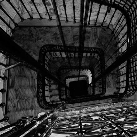 Ascenseur ..............descente vers la, Panasonic DMC-TZ1