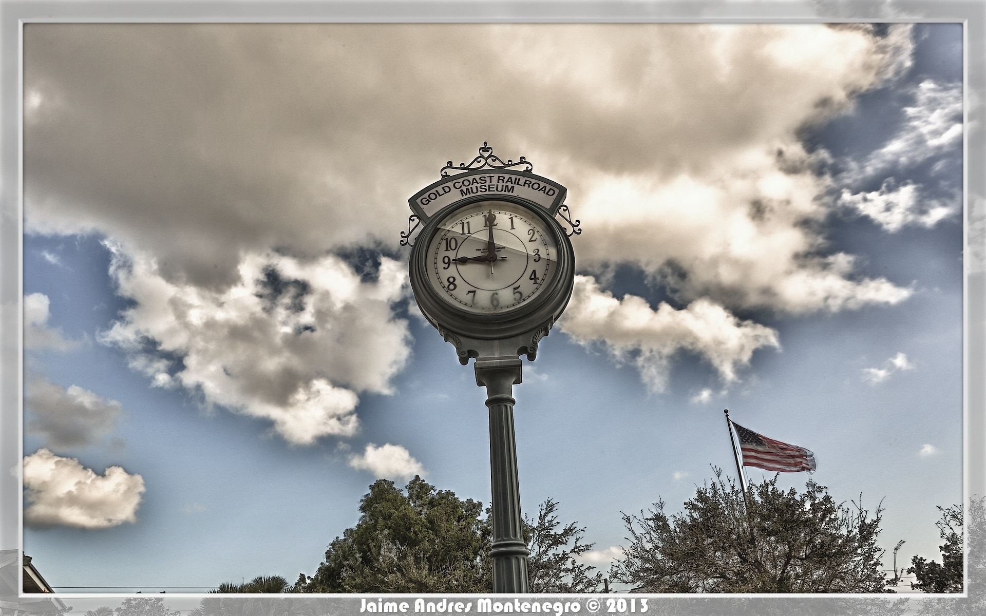 Photograph Clock by Jaime  Andres Montenegro on 500px