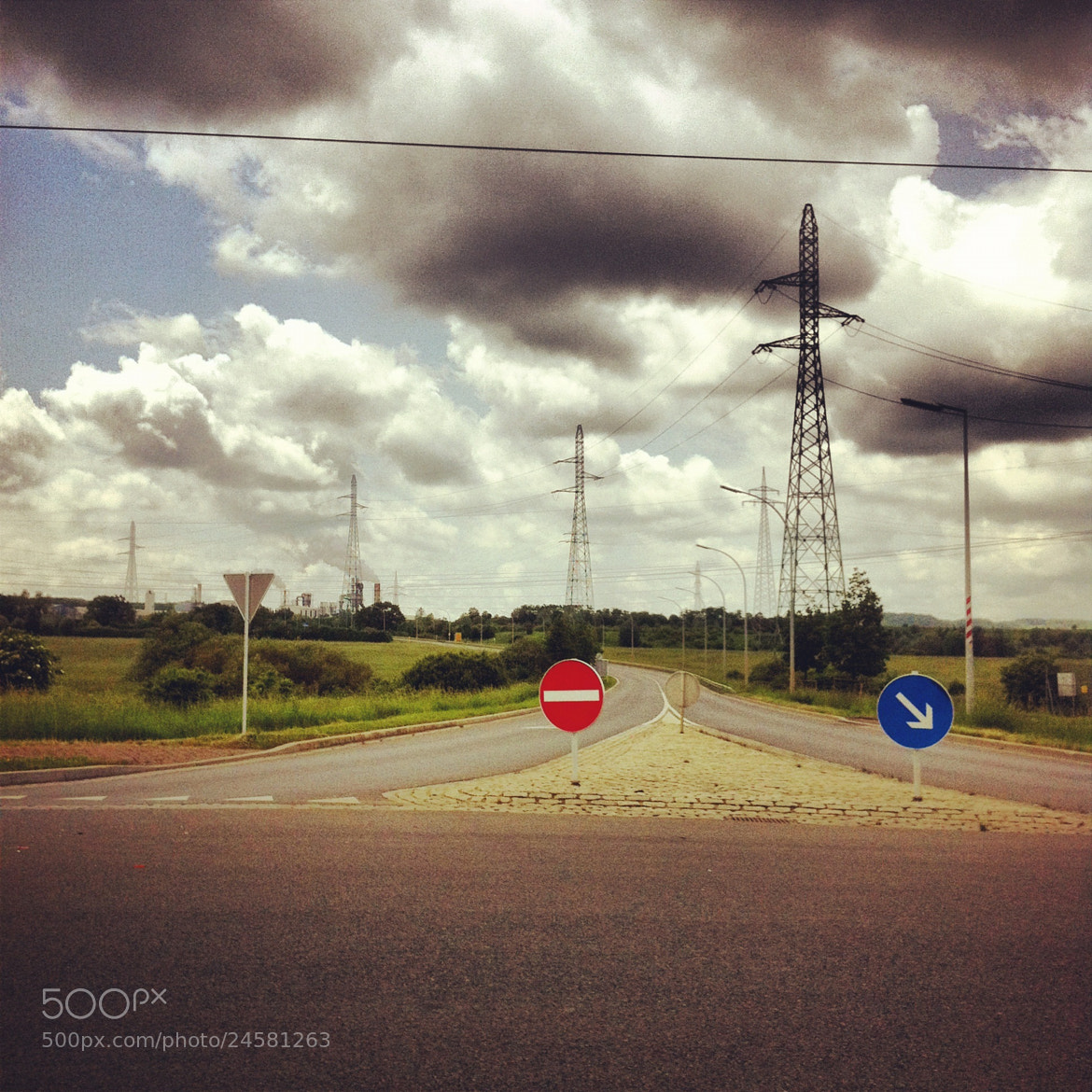 Photograph At the Roundabout by Amanda Surbey on 500px