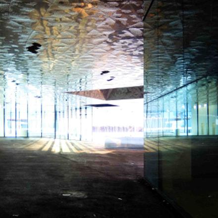 house of mirrors, Fujifilm XQ1