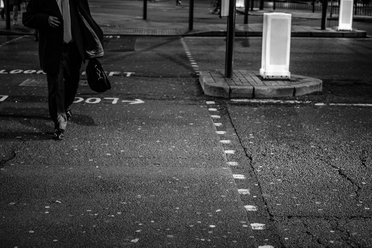 Photograph A walker in London by Victor Alexandre on 500px