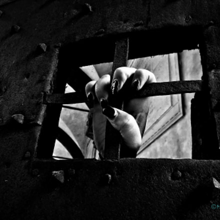 Women in prison..., Canon IXUS 255 HS