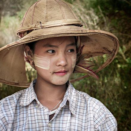 Field Worker, Mandalay, Canon POWERSHOT G6