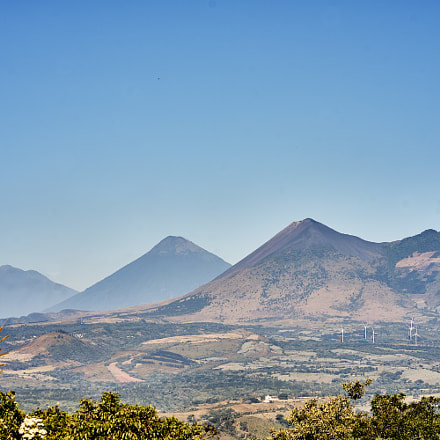 los tres hermanos gigantes, Sony ILCE-7M2, Sony FE 85mm F1.8 (SEL85F18)